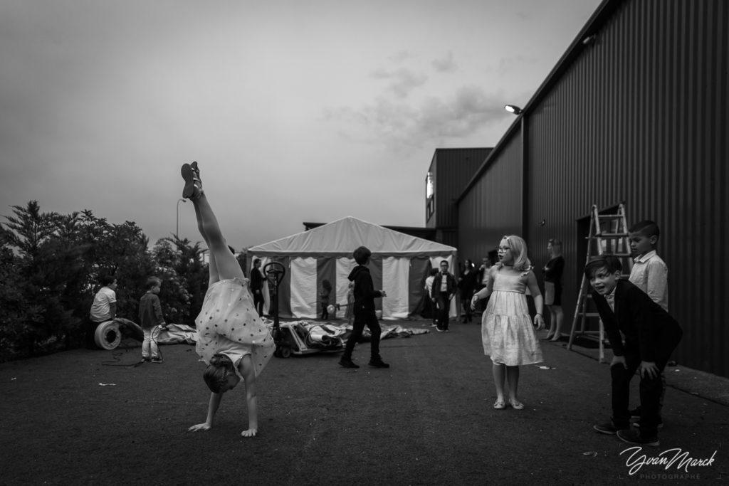 Vin d'honneur au RJ16 Illkirch, pendant la journée de mariage par yvan marck photographe de mariage a strasbourg en alsace