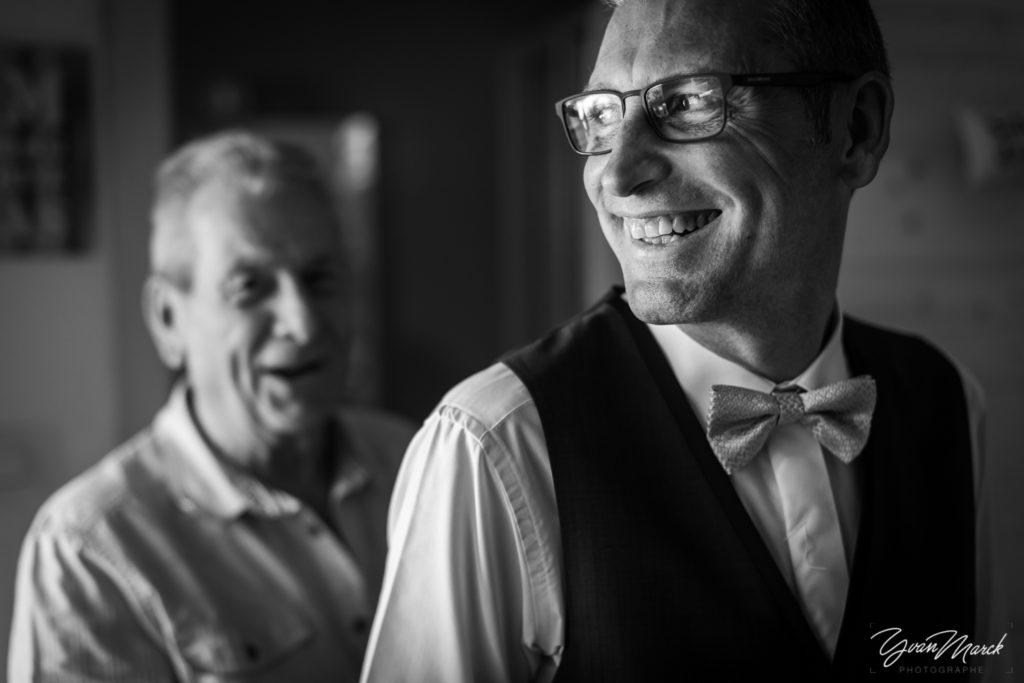 photographe-mariage-haut-rhin-yvan-marck-preparatifs-costume-marié