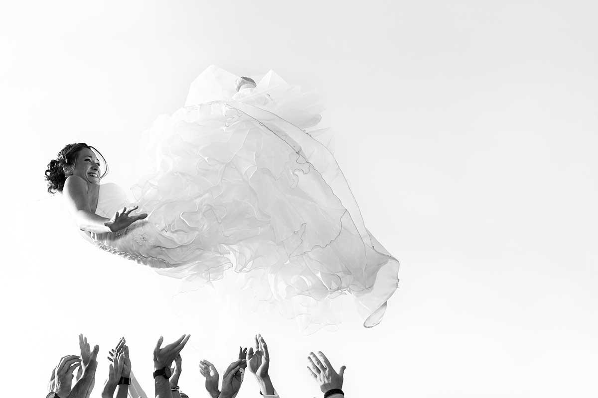 photographe mariage saut de la mariée