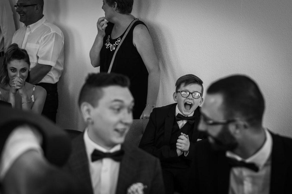 mariage mairie enfant ris