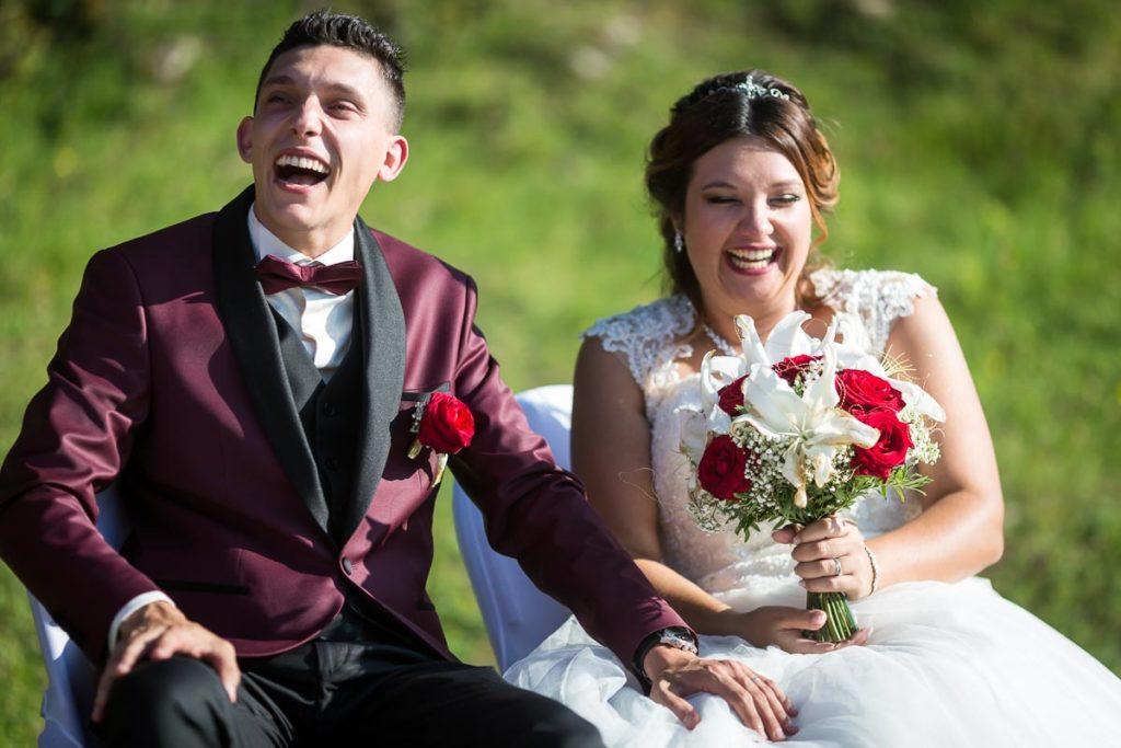 rires pendant le mariage conte de fée