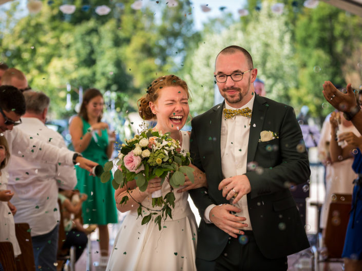 sortie cérémonie couple photographe mariage