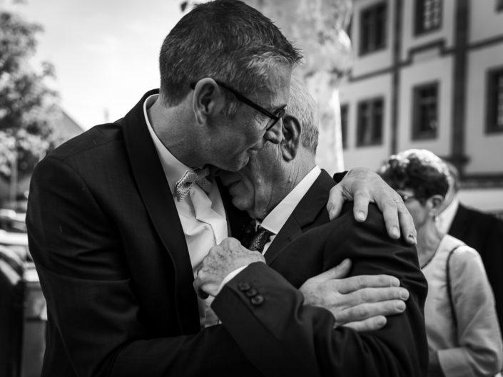 mariage marie pere pleure