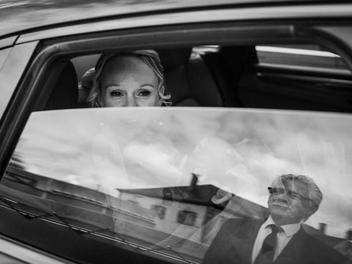 mariage reflet vitre voiture