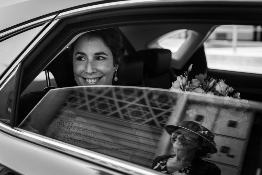 arrivee mariée synagogue reflet vitre