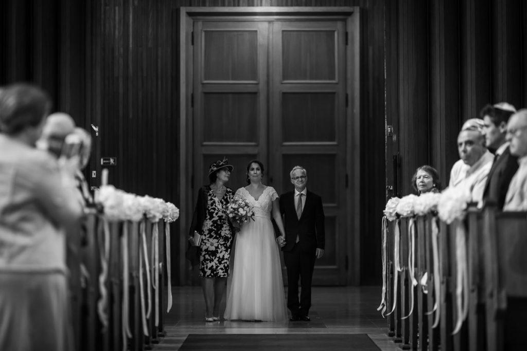 entrée de la mariée dans la synagogue