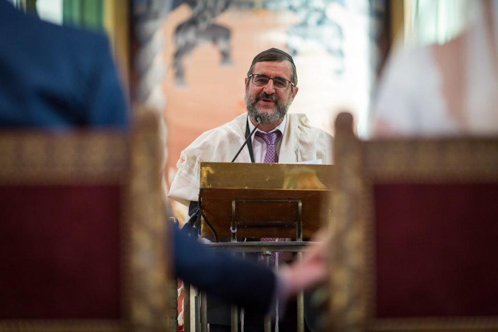 discours du rabbin a la synagogue