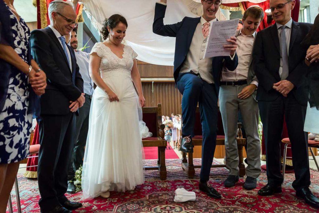 le marié casse le verre