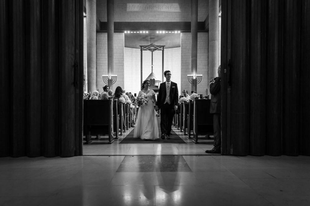 sortie des mariés de la synagogue