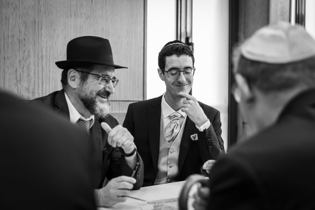 signature de la kétouba avec le rabbin