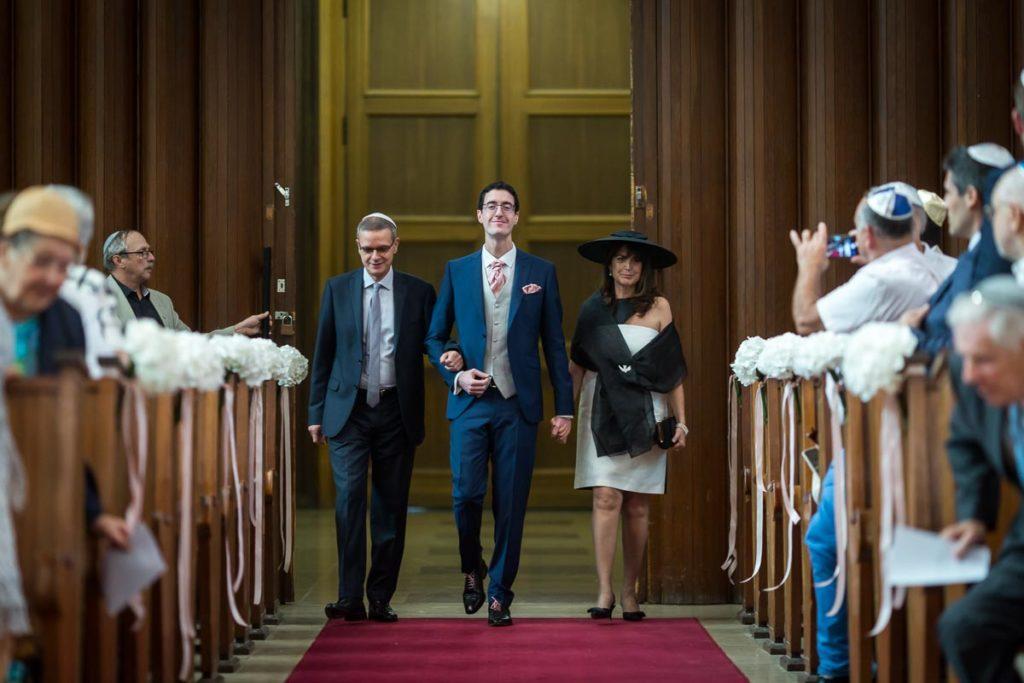 entrée du marié dans la synagogue