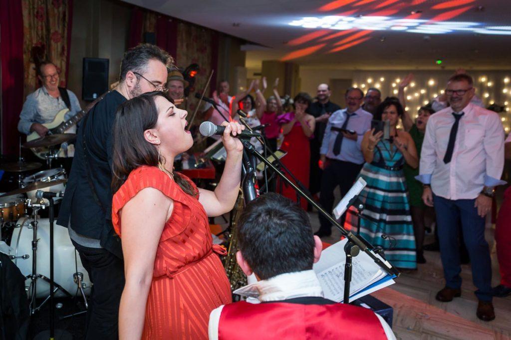 chant pendant la soirée mariage