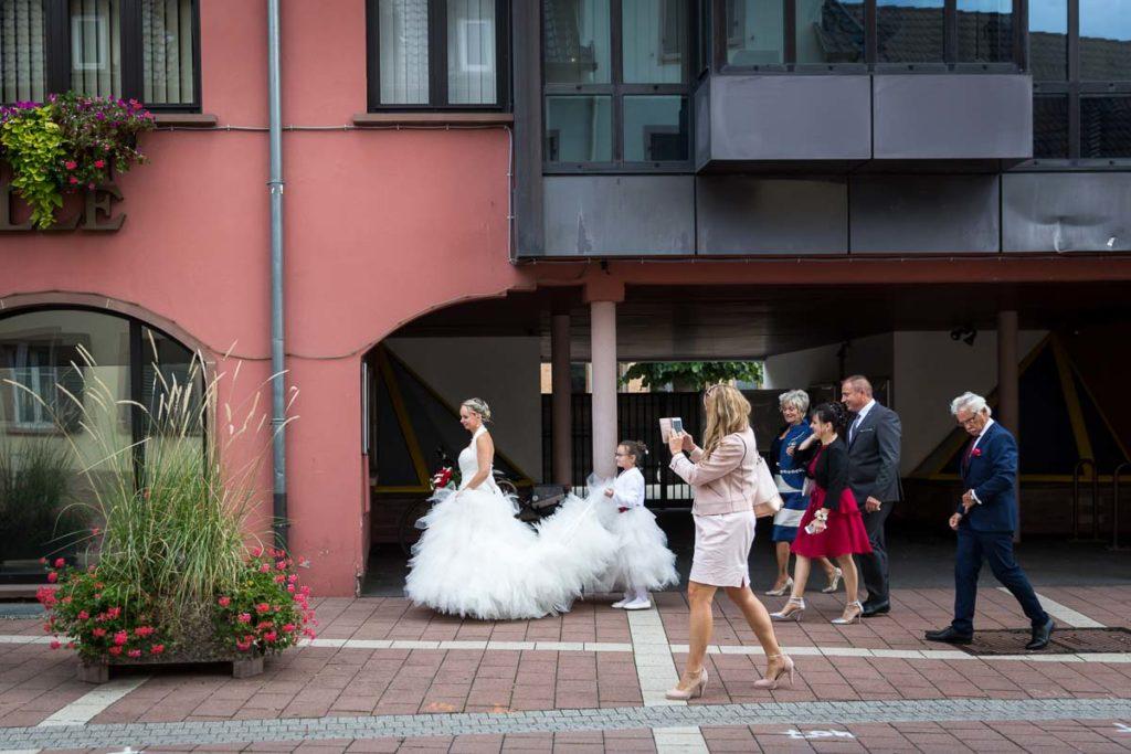 arrivé de la mariée à la mairie