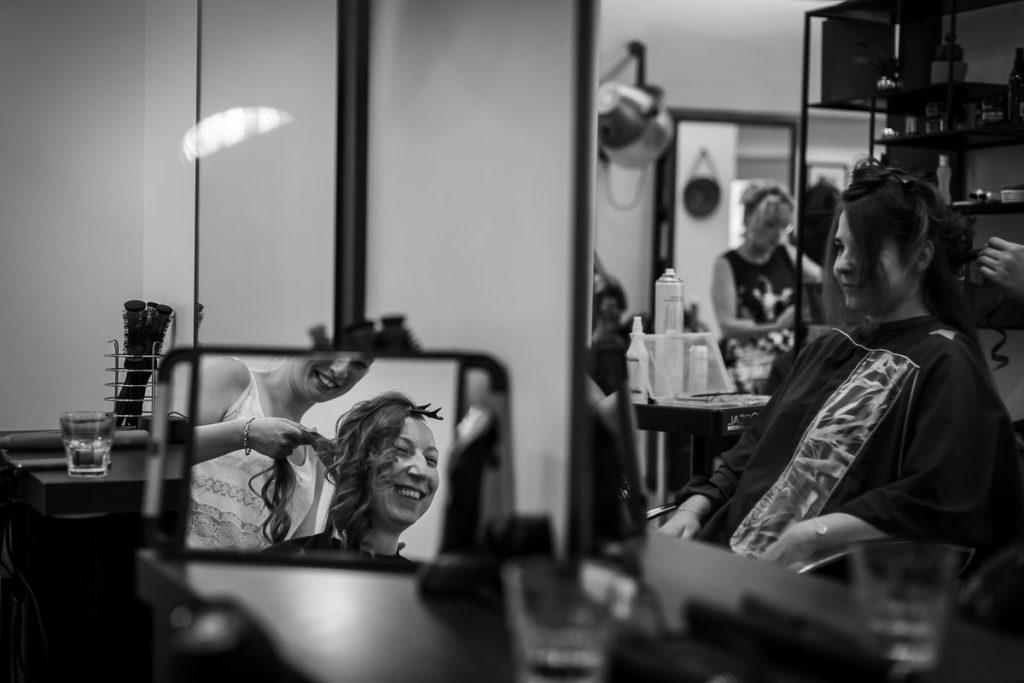 reflet de la mariée miroir coiffeur