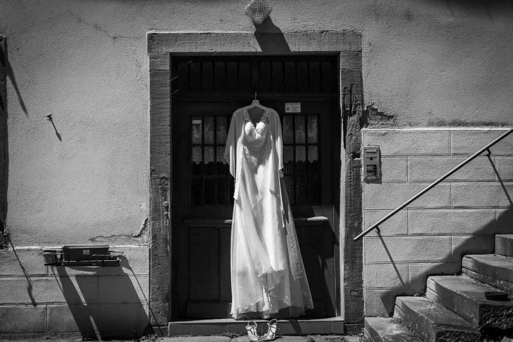 la robe de mariée accrochée
